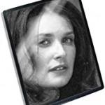 デミ・ムーアが愛用するウォームコットンと気になる恋愛、美容整形について